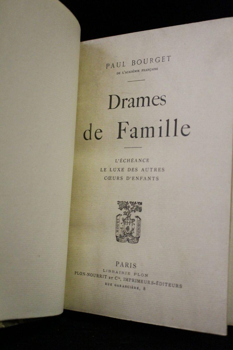 Bourget drames de famille edition originale edition - Photo de famille originale ...