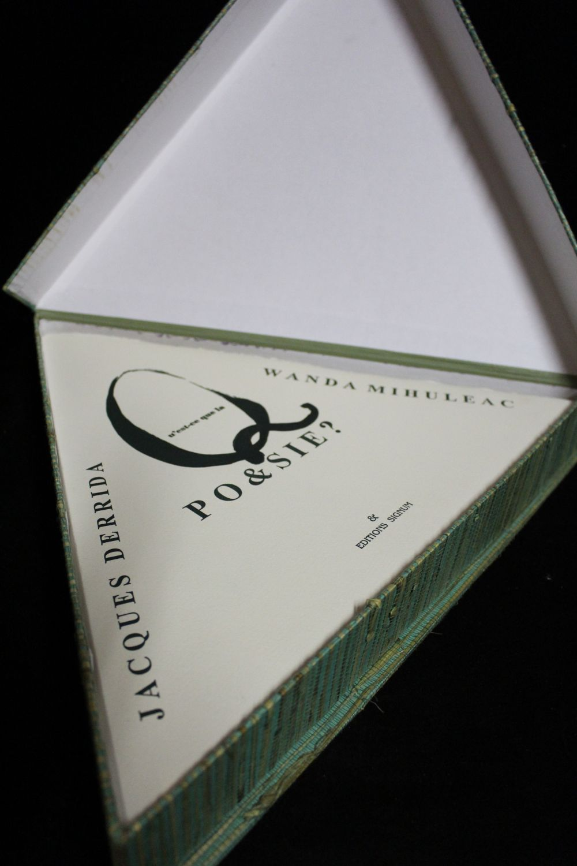 DERRIDA : Qu'est-ce que la poésie? - Signed book, First