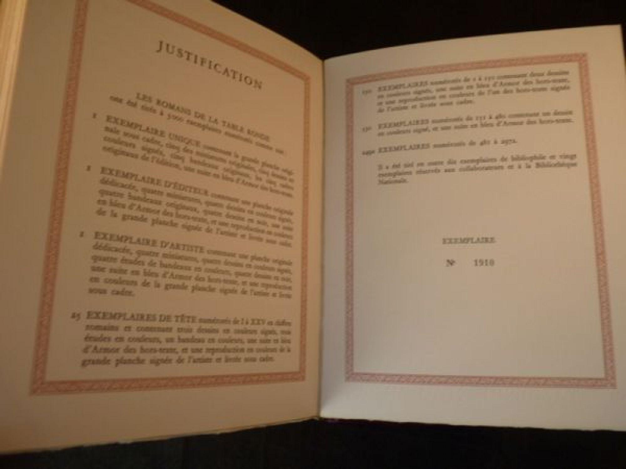 Gradassi les romans de la table ronde edition for Table originale