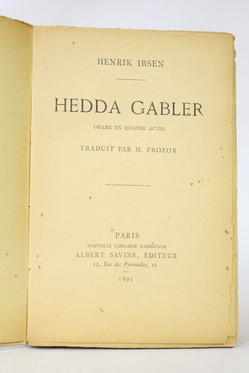 an analysis of the naturalistic social drama hedda gabler by henrik ibsen Ghosts - a synopsis and analysis of the play by ibsen hedda gabler - an analysis ibsen peanuts and the ibsen drama social significance of henrik ibsen.